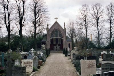 Het Sint Janskerkhof - Begraafplaats | RouteYou